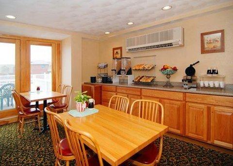 фото Comfort Inn at Atlantic Beach 610772969