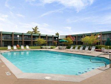 фото Holiday Inn Paris-Loop 286 & Pine Mill Rd 610775405