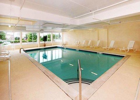 фото Comfort Suites Concord 610805175