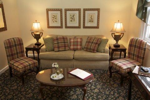 фото Olde Harbour Inn 610839423