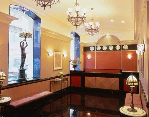 фото La Quinta Inn Manhattan 610940823