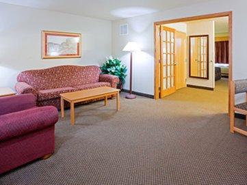 фото AmericInn Lodge & Suites New London 611059841