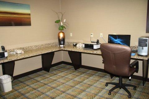 фото Holiday Inn Express & Suites Bridgeport 611162277