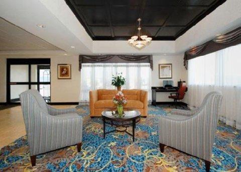 фото Comfort Suites Bloomsburg 611195513