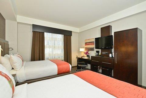 фото Holiday Inn Lower East Side 611286898