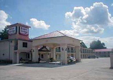 фото Econo Lodge Inn & Suites 611494439