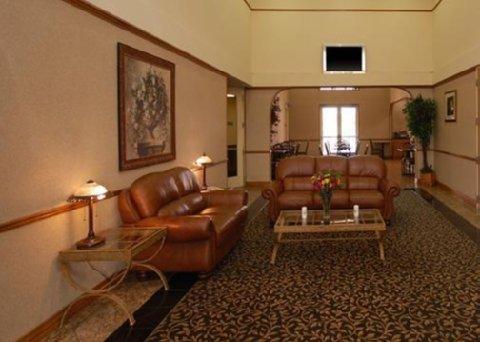 фото Quality Inn & Suites West 611497729