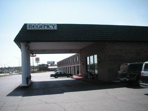 фото Regency Inn and Suites 611566677