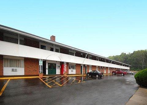 фото Econo Lodge Inn & Suites Northborough 611576950