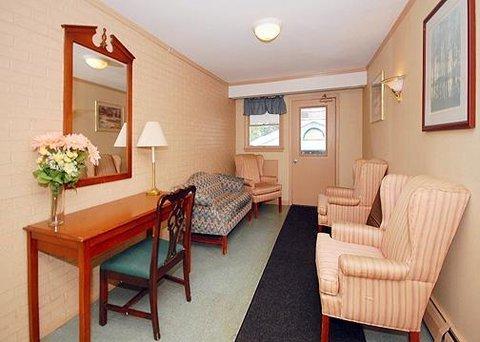 фото Econo Lodge Inn & Suites Northborough 611576951