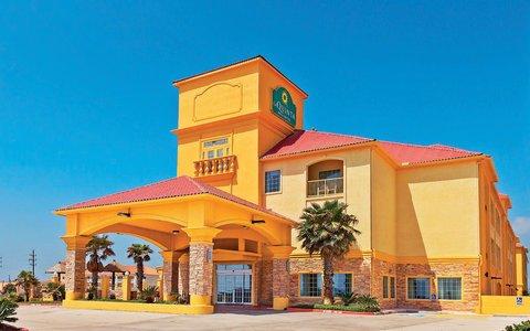 фото La Quinta Inn & Suites Galveston - Seawall West 611730804