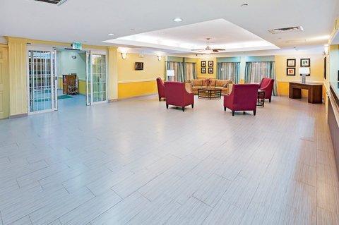 фото La Quinta Inn & Suites Galveston - Seawall West 611730809