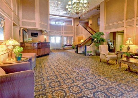 фото Clarion Hotel Palmer Inn 611799483