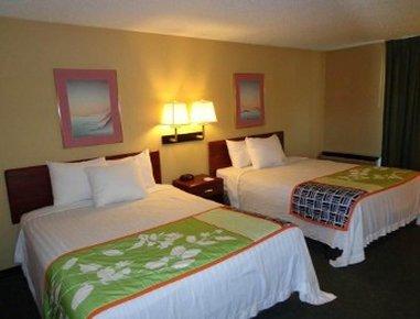 фото Howard Johnson Inn and Suites Tacoma 612033860