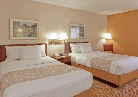 фото La Quinta Inn & Suites Warwick Providence Airport 612302351