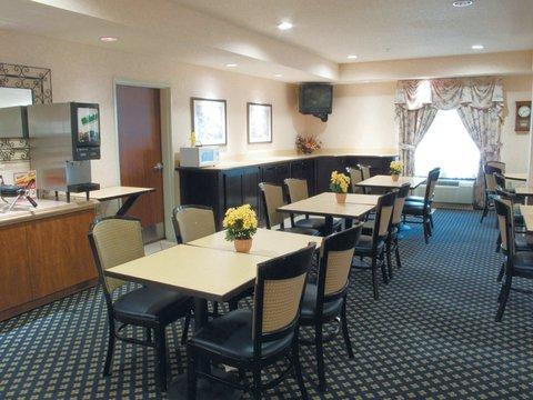 фото La Quinta Inn & Suites Milwaukee South West New Berlin 612495370