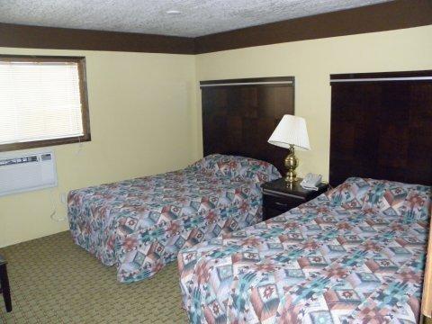 фото Royal Inn & Suites 612610176