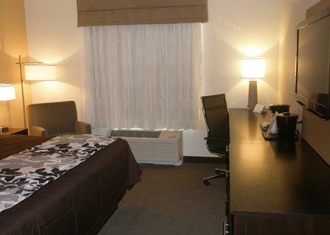фото Sleep Inn & Suites 612728675