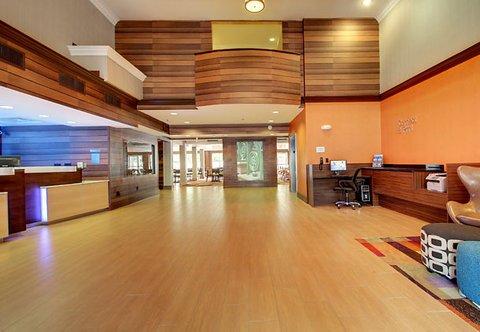 фото Comfort Suites Historic Downtown 612906055