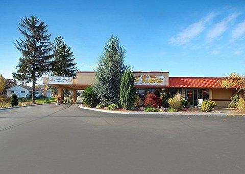 фото Econo Lodge Inn & Suites 612964836