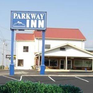 фото Parkway Inn - Newport 613220982