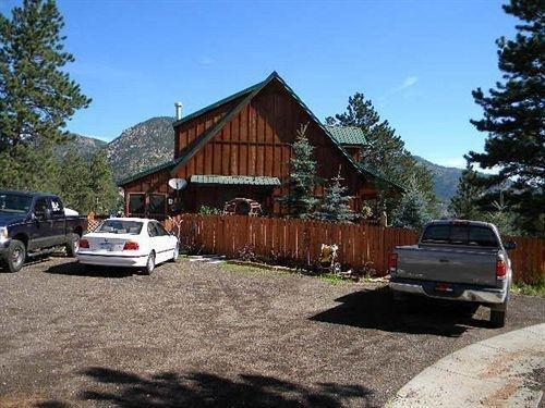 фото Little Elk Meadows Lodge Bed and Breakfast 615439570
