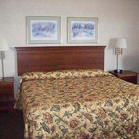 фото East Carolina Inn - Greenville 619174490
