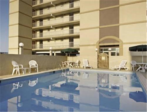 фото Travelodge Suites Oceanfront 621451313