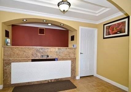 фото Rodeway Inn & Suites Oakland 621456629