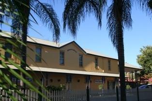 фото Best Western Colonial Motel 626994032