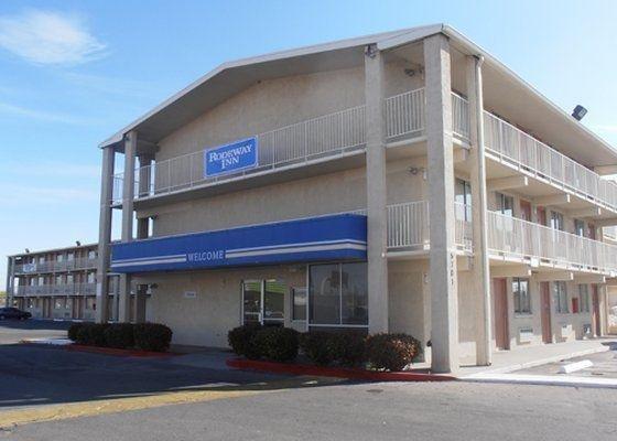 фото Rodeway Inn Albuquerque 630180416