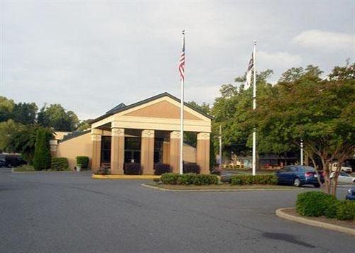 фото Econo Lodge Inn & Suites Charlotte 631666974