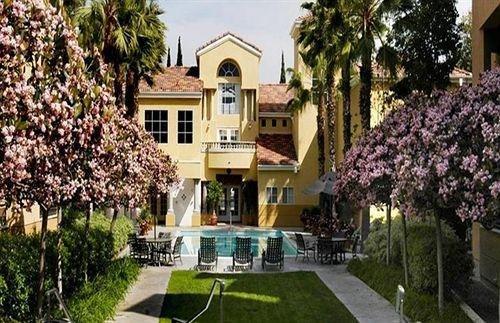 фото Sunshine Suites at La Jolla 631699905