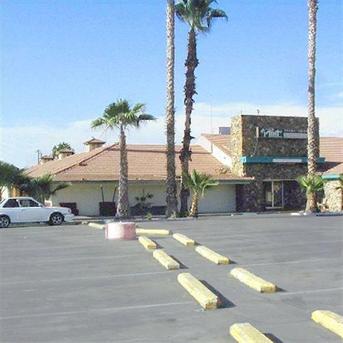 фото Palm Tree Inn Porterville 631741153