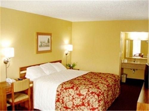 фото Vista Inn & Suites Hermitage 631752057