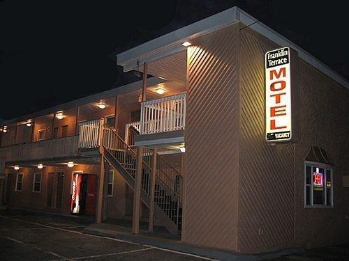 фото Franklin Terrace Motel 631762441