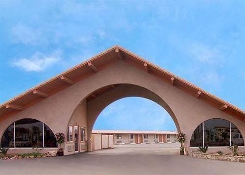 фото Rodeway Inn & Suites 631782420