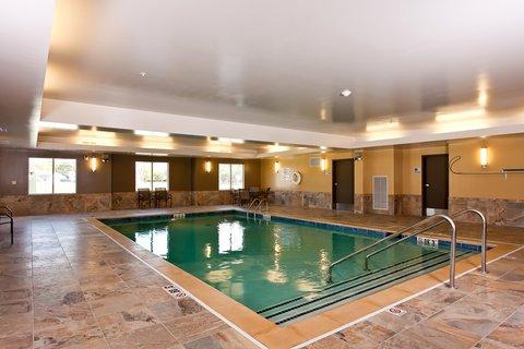 фото Holiday Inn Express Newton 632146449