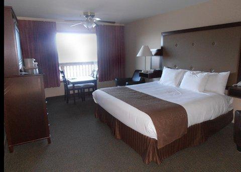 фото Clarion Inn Surfrider Resort 632285282