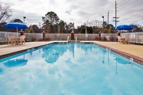 фото Holiday Inn Express Hotel & Suites Savannah Midtown 644921419