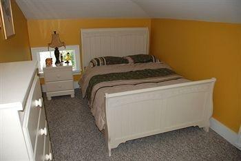 фото New Land Manor B&B 650314883
