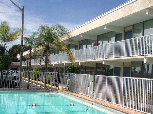 фото America`s Best Inn & Suites 652461355