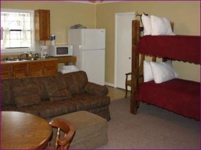 фото Hotel and Pecan Grove RV Park 652512551