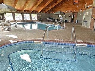 фото AmericInn Lodge & Suites Muscatine 653065205