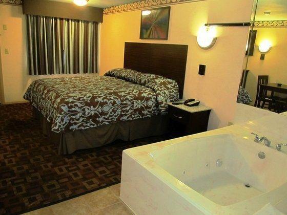 фото Americas Best Value Inn I-45 / Loop 610 654751945