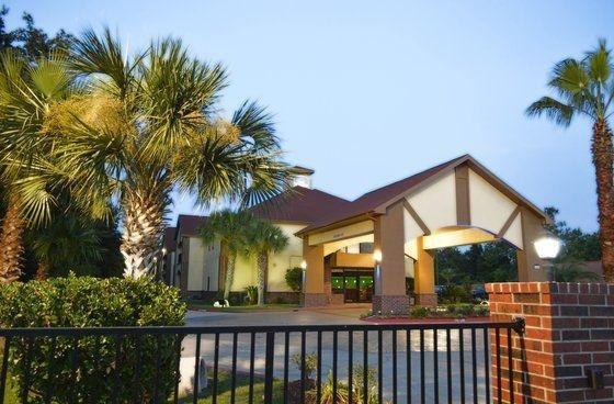 фото Lake Charles Inn and Suites 655460870