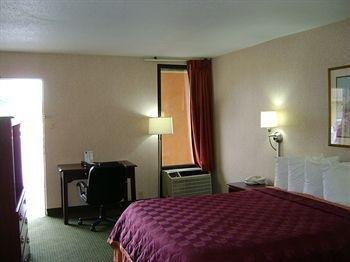 фото Quality Inn Northwest 663564684