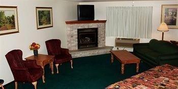 фото Paynesville Inn & Suites 664841897