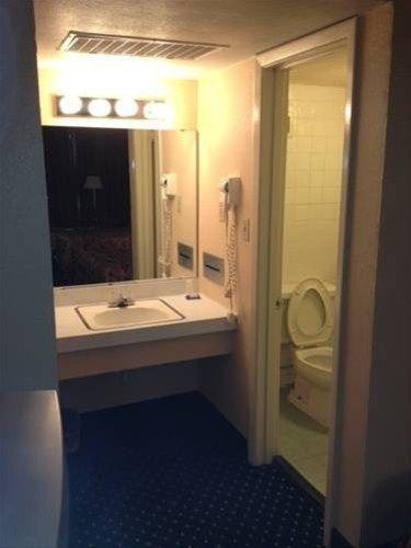 фото City Center Inn - Downtown Charlotte 667711876