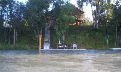 фото Kenai Riverfront Fishing Lodges 668574724
